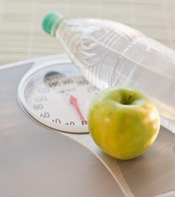 Прерывистые низкоуглеводные диеты, вероятно, одни из наиболее эффективных. Фото: Tetra Images/Getty Images