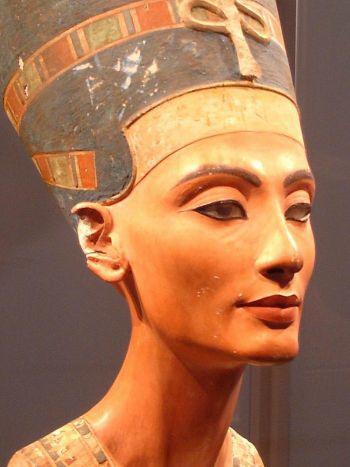 Косметика или медицина? Ученые обнаружили лечебные свойства косметики, которую использовали древние египтяне. Фото: Wikimedia Commons