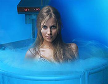 Охлажденный воздух воздействует в основном на наружный слой кожи, а в нем находится множество рецепторов. Фото: tiensmed.ru