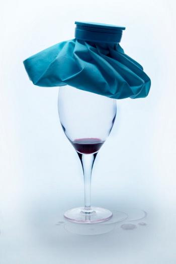 Говоря научным языком, похмелье – это состояние, возникающее через некоторое время после употребления алкоголя и развития среднего и тяжёлого опьянения. Фото: Vito Aluia/Getty Images