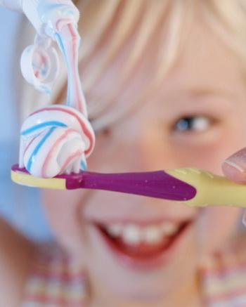 Ребенок съел пасту зубную