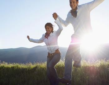Солнечный свет является самым простым и распространенным антидепрессантом. Фото: moodboard/Getty Images