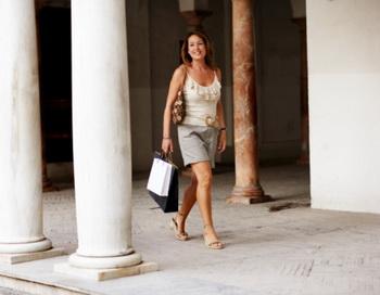 У женщин, которые обычно ходили со скоростью 5,4 километра в час или быстрее вероятность «заработать» инсульт оказалась на 37% ниже. Фото: Digital Vision/Getty Images