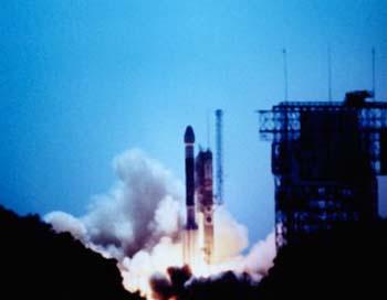 «Союз 2.1б» вывел на орбиту первый спутник системы ГЛОНАСС. Фото: Steffen Thalemann/Getty Images