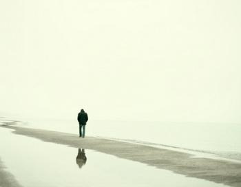 Люди, живущие одни, склонны к депрессии. Фото: Photonica /Getty Images
