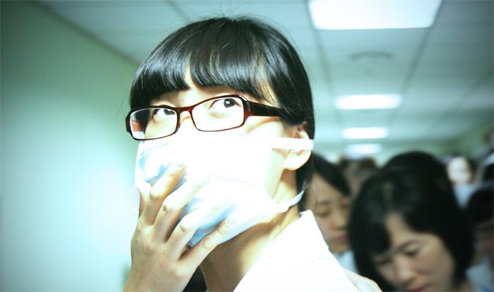 Вирус птичьего гриппа по официальным данным уже привёл в Китае к смерти 22 человек из 108 инфицированных. Фото: Chung Sung-Jun/Getty Images