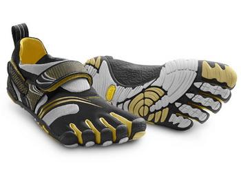 Если вы опасаетесь передвигаться босиком, но у вас есть желание приобщиться к физиологичному бегу, попробуйте специальную обувь. Фото: Vibram