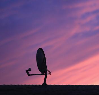 Просмотр ТВ по ночам в темноте приводит к депрессии. Фото: Bruce Bennett/Getty Images