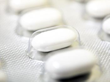 Учённые считают, что, в конечном счёте, в результате постоянного применения антидепрессантов можно получить стойкое депрессивное состояние. Фото: FRED TANNEAU/AFP/Getty Images