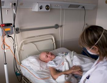 Онкологические заболевания занимают одно из первых мест в структуре смертности населения России. Фото: Tino Soriano/Getty Images