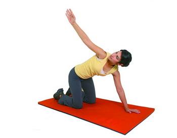 Физическая активность должна создавать небольшую нагрузку на кости. Фото: Photos.com
