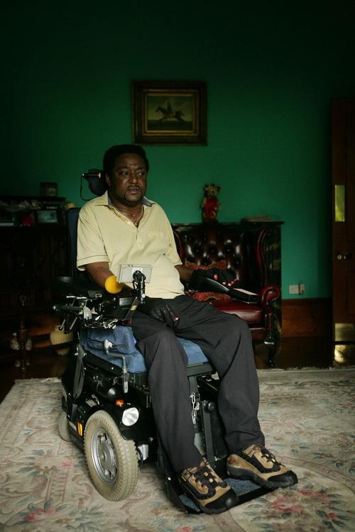 Ноэль Мартин был парализован в результате атаки неонацистов в 2006 году в Бирмингеме, Англия. Новые исследования указывают на необходимость осознания проблем психического здоровья у жертв насилия. Фото: Christopher Furlong/Getty Images