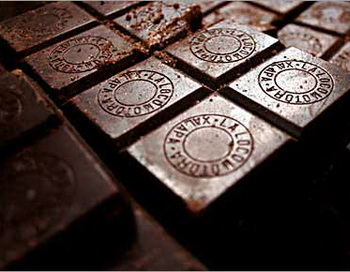 Тёмный шоколад. Фото:  intelligent.lv