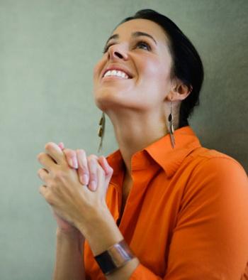 Положительный взгляд на окружающий мир, благодарность и вера в высшие идеалы остаются прописными истинами для нас. Фото: Jon Feingersh/Getty Images