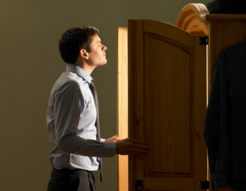 Почему мы забываем, зачем открыли дверцу шкафа. Фото: Dougal Waters/Getty Images