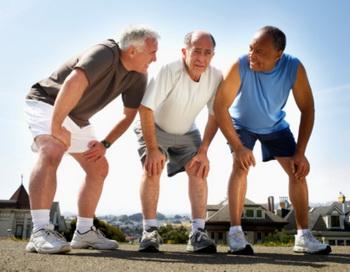 Больший объем мышечной массы нарастили участники, в крови которых был высокий уровень «плохого» холестерина. Фото: Fuse/Getty Images