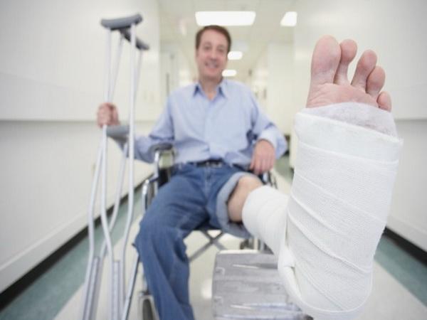 Пациенты с синдромом Райли-Дея часто неспособны чувствовать боль, что может оказаться опасным в случае получения серьезной травмы. Фото: Rproductions Ltd/Getty Images.
