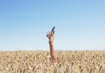 Жизнь есть там, где доступна сотовая связь. Фото: Tim Robberts/Getty Images.