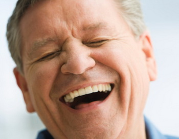 Когда вы последний раз искренне смеялись от всей души? Фото: Iconica/Getty Images.