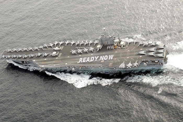 ВМС США испытали новую систему захода на посадку. Фото: Gabriel Piper/U.S. Navy/Getty Images