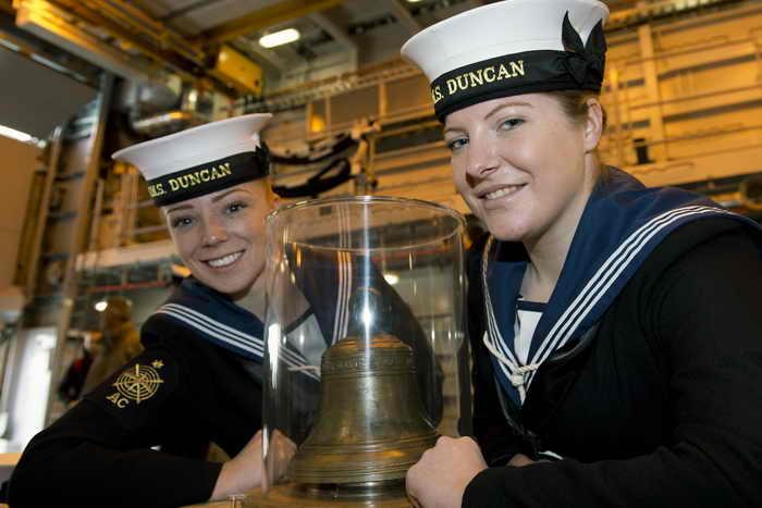 Великобритания. За последние двадцать лет среди служащих на флоте резко увеличилось число женщин. Фото: ADRIAN DENNIS/AFP/Getty Images