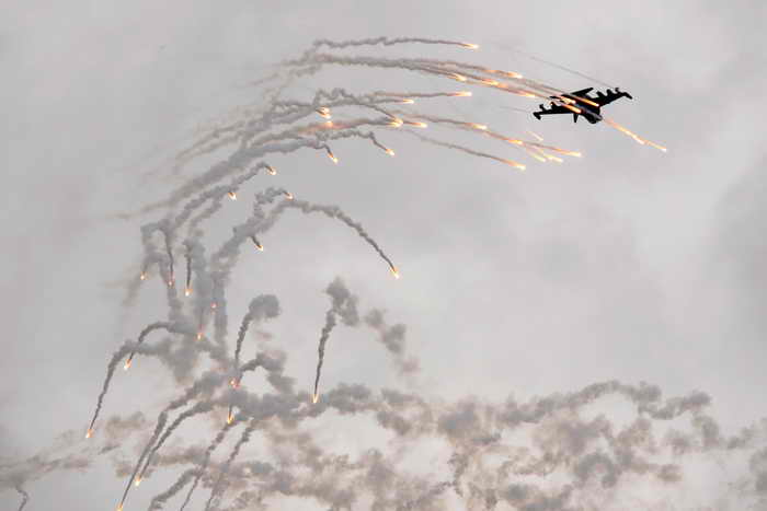 Международные эксперты признали Як-130 лучшим учебно-боевым истребителем. Фото: DMITRY KOSTYUKOV/AFP/Getty Images