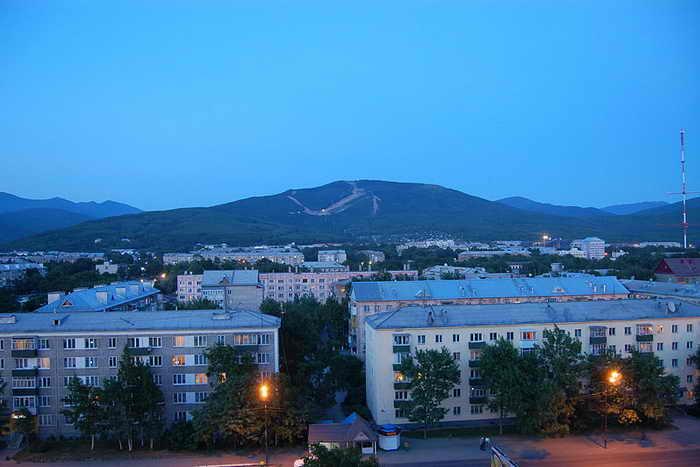 Южно-Сахалинск. В истории образования островного региона установлен абсолютный рекорд: 93 выпускника получили высшую награду. Фото с сайта wikipedia.org