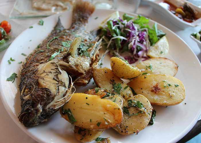 Рыба с картофелем. Фото: Salem Communications/flickr.com
