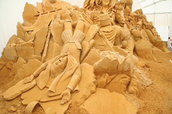Битва с ливонскими рыцарями. Международный Фестиваль скульптуры из песка в Москве. Фото: Анатолий Белов/Великая Эпоха
