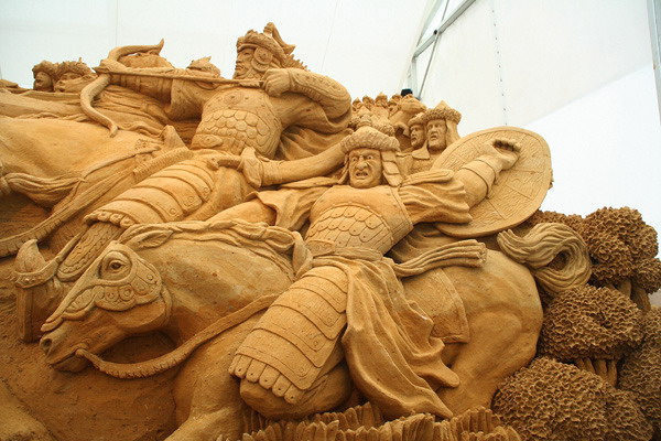 Золотая орда. Международный Фестиваль скульптуры из песка в Москве. Фото:Анатолий Белов/Великая Эпоха