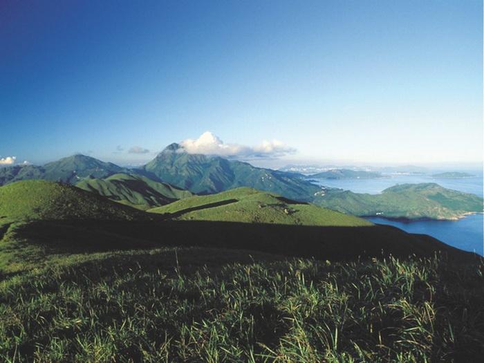 Гора путешественников: Прекрасный пейзаж на юго-западе о. Лантау. Фото предоставлено Martin Williams
