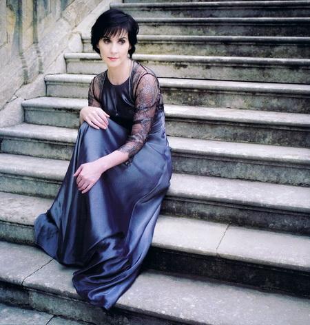 Эния – таинственная хозяйка   замка «Мэндерли» Фото с images.yandex.ru