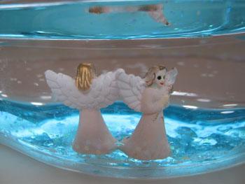 Мыльница с фигурками ангелов. Фото: Лора ЛАРСИА /Великая Эпоха