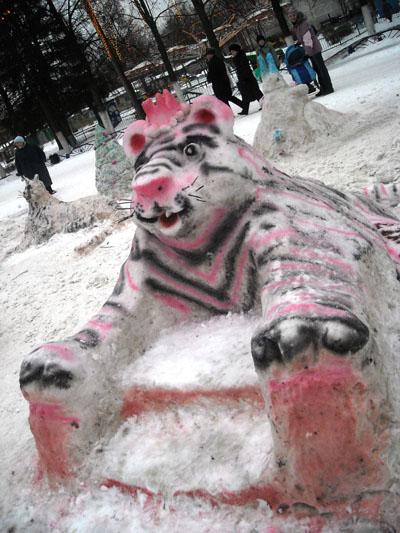 «Снего-лего». Причудливое кресло.Фото: Юлия БЛОХИНА/ Великая Эпоха (The Epoch Times)
