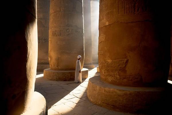 Зал с колоннами храма Карнак в Луксоре. Фото: Michael Martin