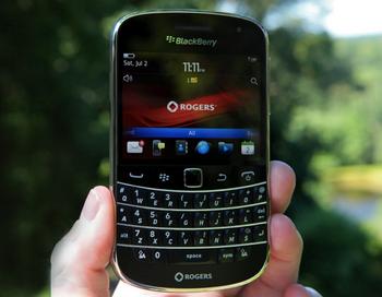 BlackBerry Bold 9930 фото с сайта blackberrys.com.ua.jpg