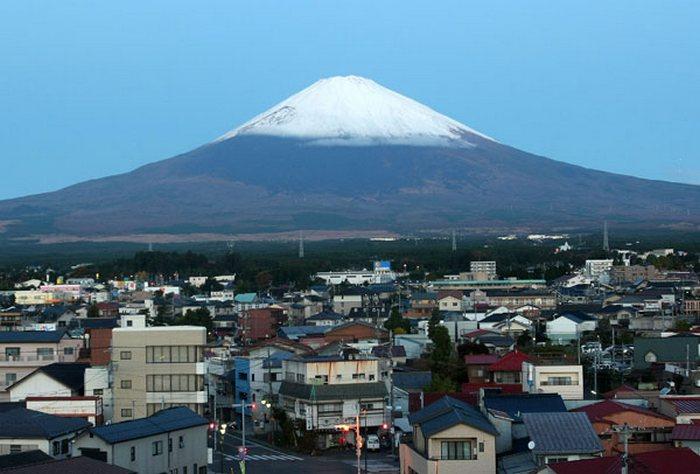 Японцы готовы к извержению вулкана Фудзи. Фото: Koichi Kamoshida/Getty Images