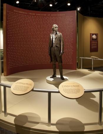 Статуя Томаса Джефферсона в Смитсоновском музее. Фото Майкла Барнза