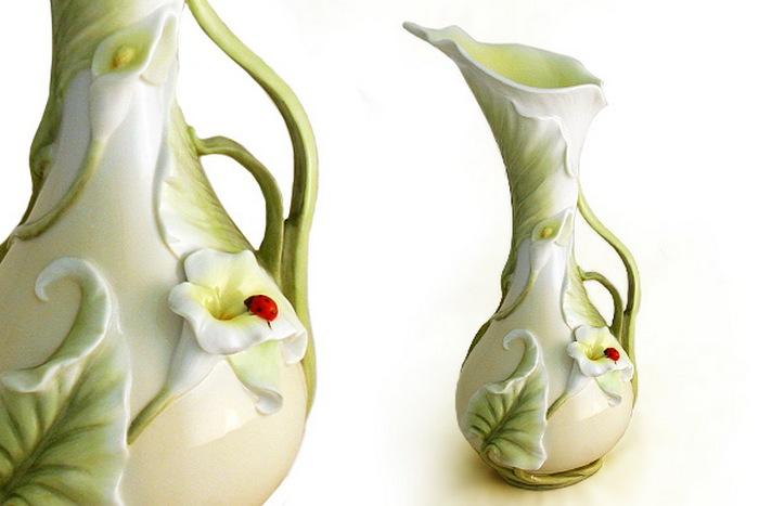 Удивительная ваза в виде цветка каллы. Фото с сайта http://rfpodarok.ru