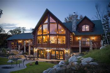 Дома из бруса профилированного.  Фото с сайта prweb.com