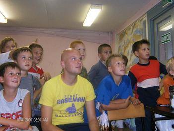 Иногда нам разрешали посмотреть телек, но только программу Время. Фото с сайта burevestnik-98.ru