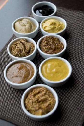 Разные виды семян горчицы в приготовленном для употребления виде. Фото с сайта http://www.liveinternet.ru/.