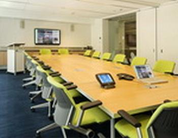Офисная мебель и конференц столы. Фото с сайта http://easyoffice.ru/
