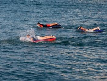 Заплыв на матрасах. Фото с сайта vladimir20.ru