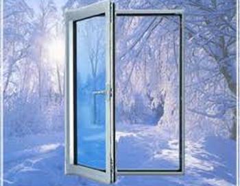 Пластиковые окна можно устанавливать и зимой. Фото с сайта winteh.ru