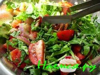 Салат со спаржей и ветчиной. Фото с сайта http://nayemsya.ru/salaty/