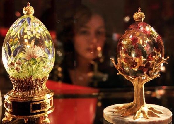 Пасхальные  яйца Фаберже. Выставка в Кремле. Фоторепортаж. Фото: STAN HONDA/AFP/Getty Images