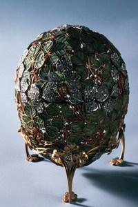 """Пасхальное яйцо Фаберже """"Клевер"""". Фото с сайта fabergeimperialeastereggs.ru"""