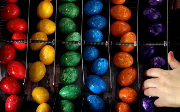 Пасхальные яйца – крашенки. Фоторепортаж. Фото: Miguel Villagran/Getty Images