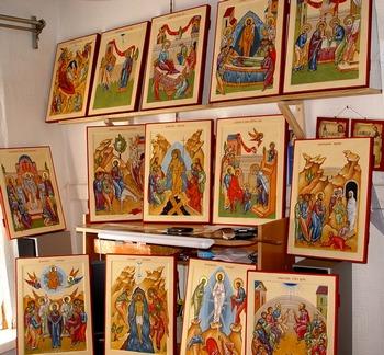 Российские художники и искусствоведы не хотят допустить передачи церкви древних икон. Фото с сайта liveinternet.ru